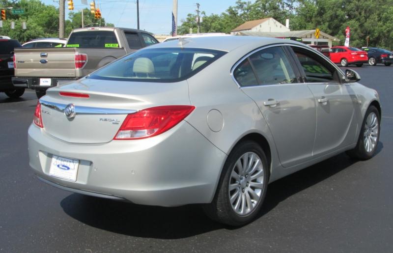 Buick REGAL CXL SEDAN / W LEATHER 2011 price $8,495