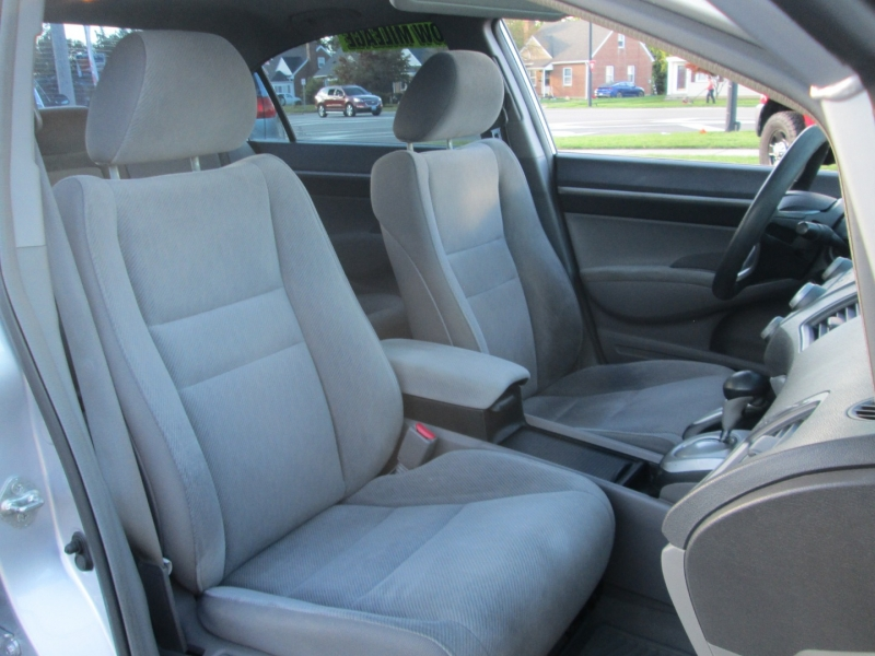 Honda CIVIC EX SEDAN W / MOONOOF 2010 price $12,995