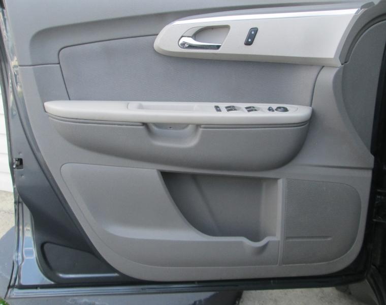 Chevrolet TRAVERSE LS FWD 2009 price $9,995