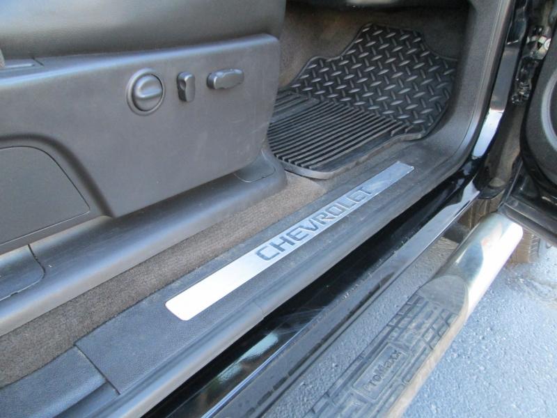Chevrolet SILVERADO CREW CAB LTZ 4X4 2011 price $22,695