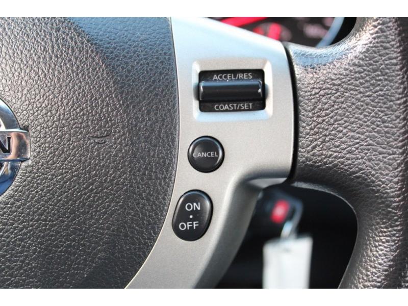Nissan Rogue Select 2015 price $12,995