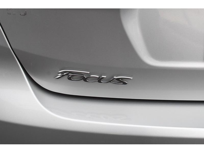 Ford Focus 2018 price $16,995
