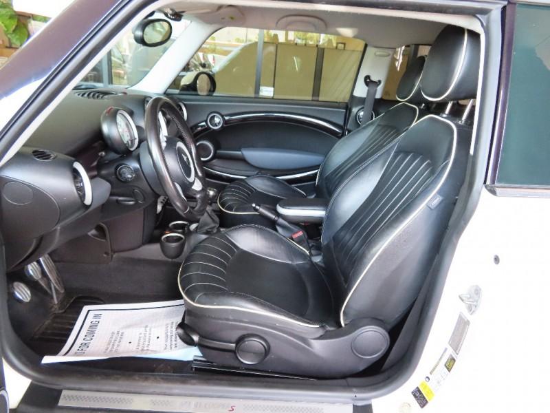 Mini Cooper Clubman 2010 price $6,995