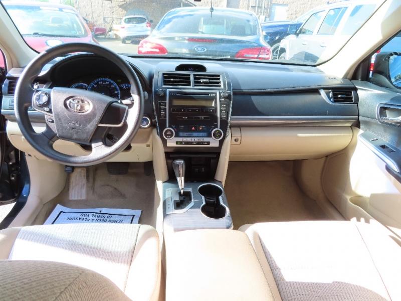 Toyota Camry Hybrid 2012 price $10,995