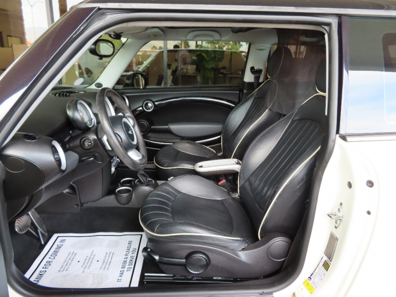 Mini Cooper Hardtop 2008 price $8,995