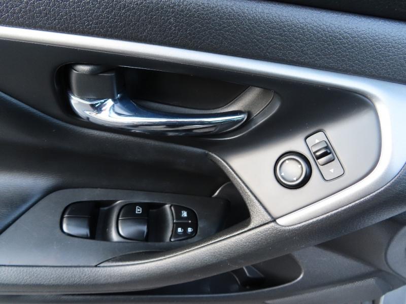 Nissan Altima 2015 price $10,995