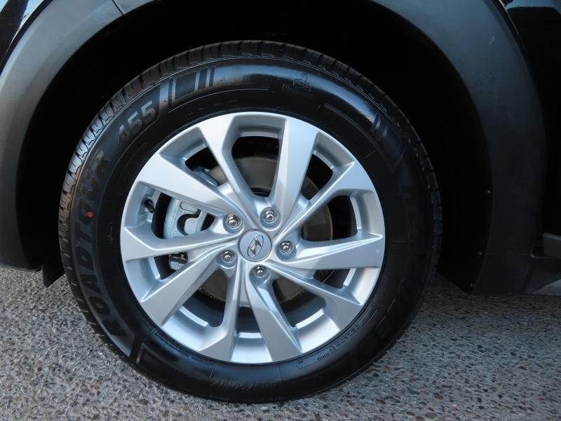 Hyundai Tucson 2017 price $19,995