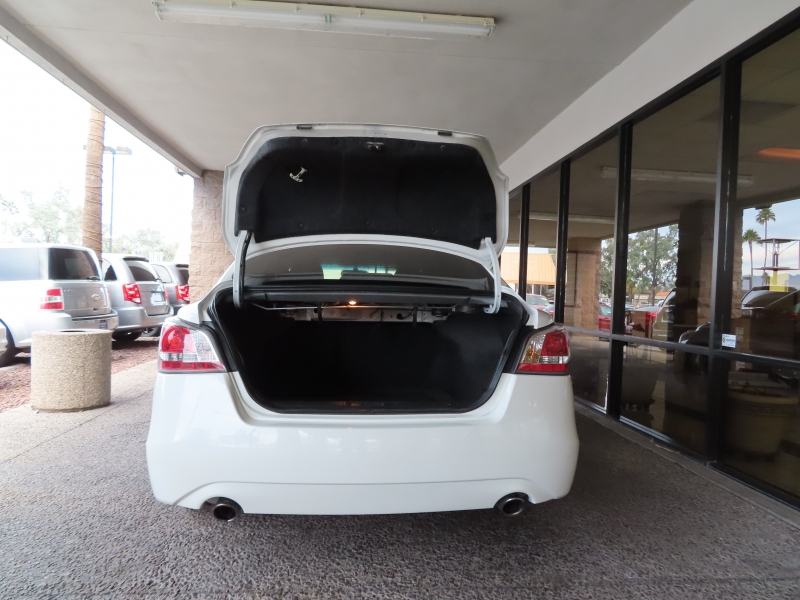 Nissan Altima 2015 price $12,995