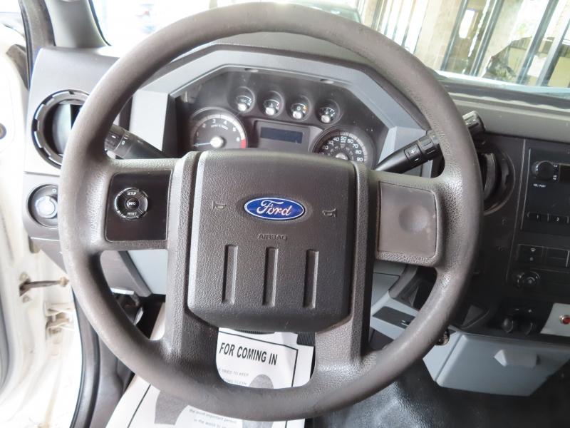 Ford Super Duty F-250 SRW 2011 price $17,995
