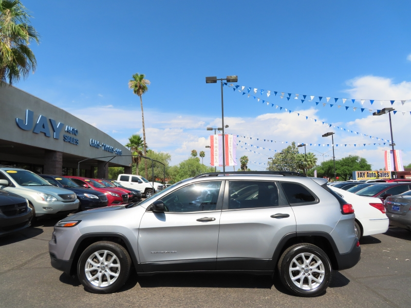 Jeep Cherokee 2016 price $15,995