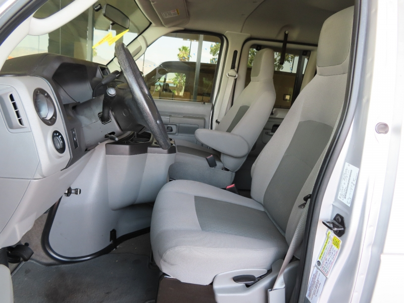 Ford Econoline Wagon 2014 price $16,995