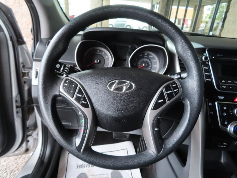 Hyundai Elantra GT 2017 price $11,995
