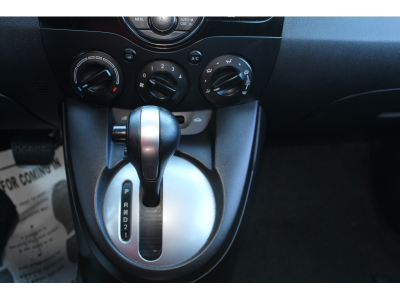 Mazda Mazda2 2013 price $8,795