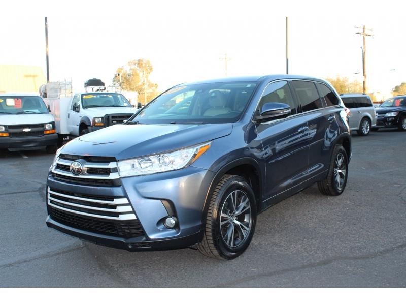 Toyota Highlander 2017 price $29,995