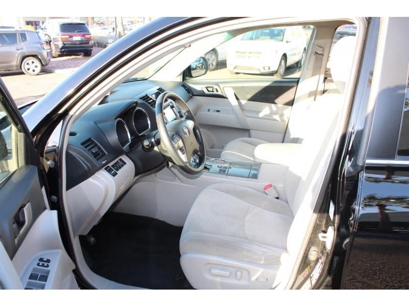 Toyota Highlander Hybrid 2013 price $19,995