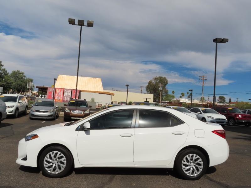 Toyota Corolla 2017 price $18,995