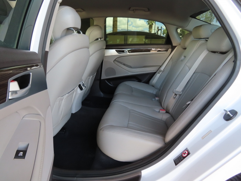 Hyundai Genesis 2015 price $25,995