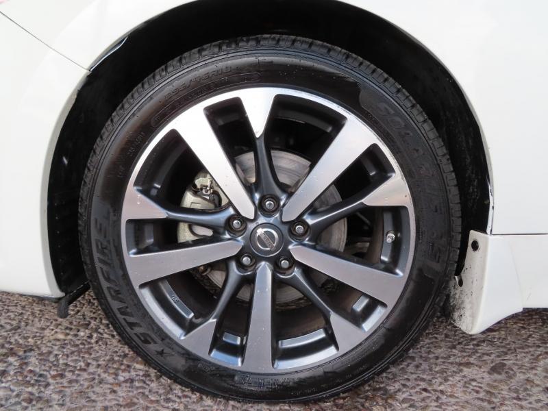 Nissan Altima 2017 price $21,995