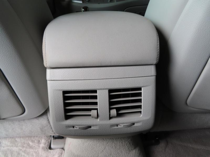 Toyota Avalon 2010 price $12,995