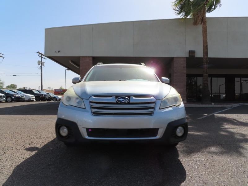 Subaru Outback 2013 price $13,995