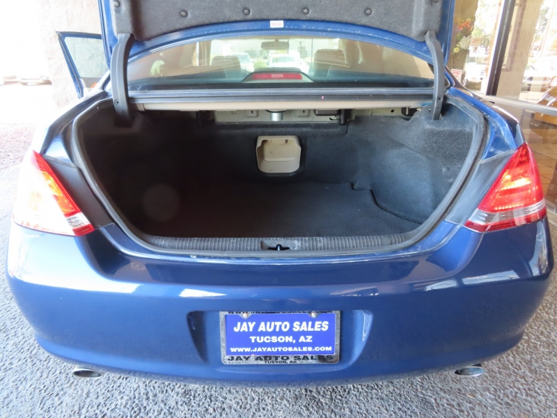 Toyota Avalon 2005 price $10,995