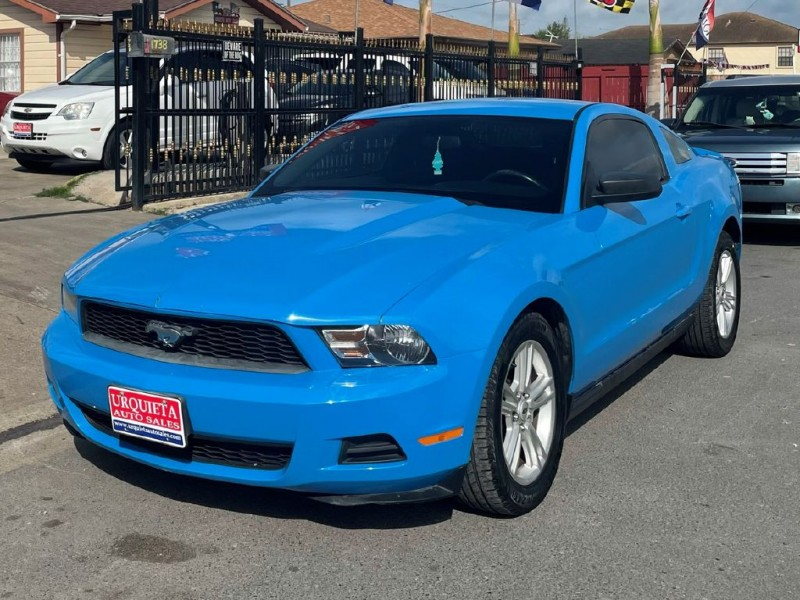 FORD MUSTANG 2010 price $10,800