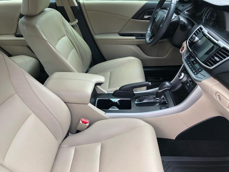 Honda Accord Sedan 2015 price $16,995