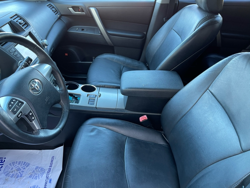 Toyota Highlander 2012 price $14,495
