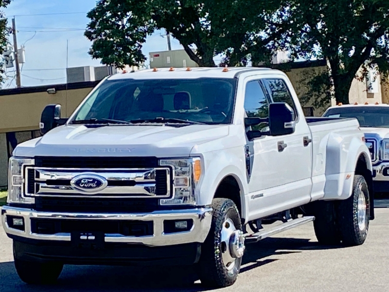 Ford F350 XLT 4X4 DUALLY 2017 price $32,500