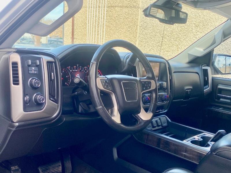 GMC SIERRA DENALI 2500HD 4X4 2015 price $39,995