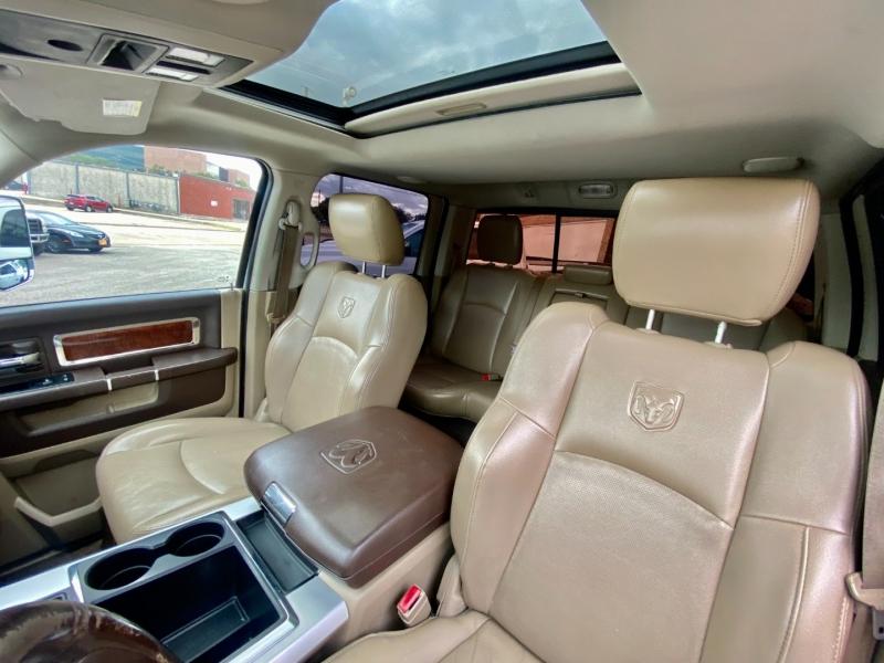 RAM 3500 LARAMIE 4X4 DUALLY 2011 price $36,500