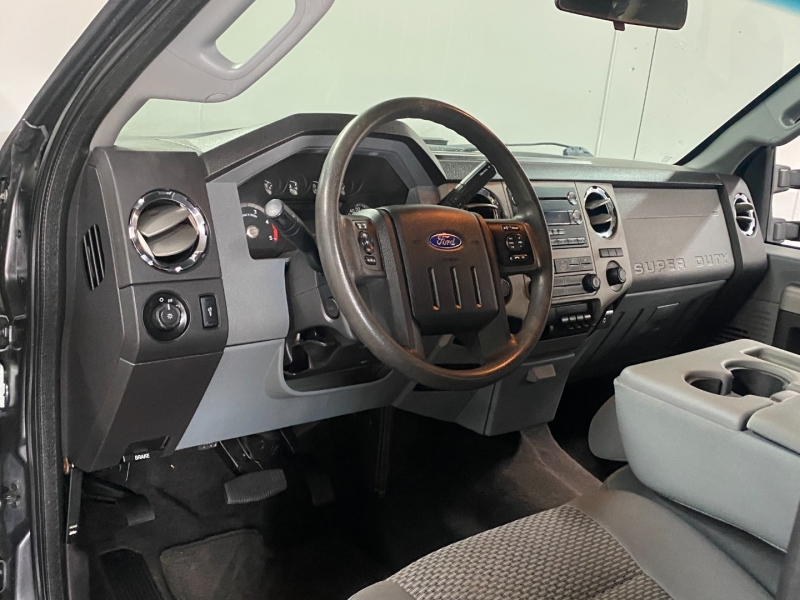 Ford F350 DUALLY 4X4 2015 price $25,900