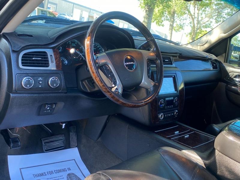 GMC SIERRA DENALI 3500HD 4X4 2011 price $29,995