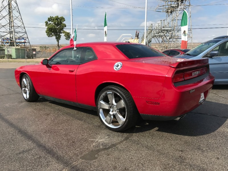 Dodge Challenger 2014 price $2,000 Down!!