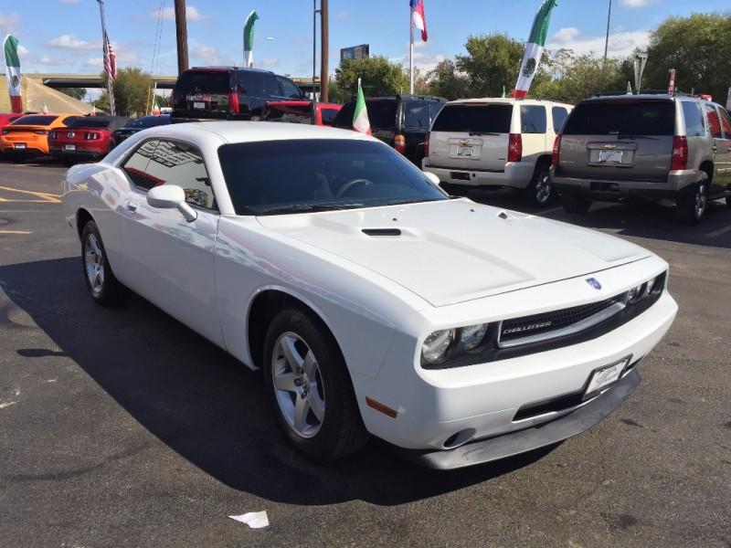 Dodge Challenger 2013 price $2,000 Down!!