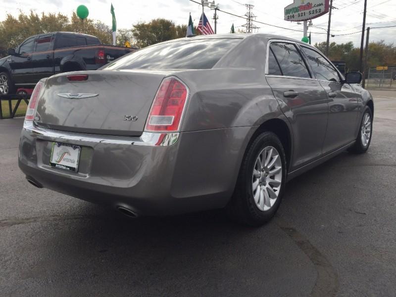 Chrysler 300 Piel Quemacoco Navegacion!! 2014 price $1,500 Down!!