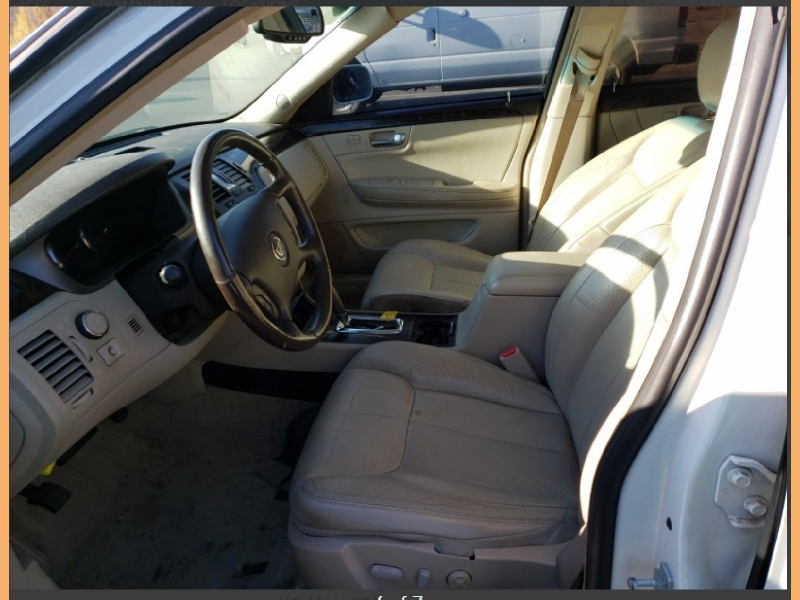 Cadillac DTS 2009 price $6,000 Cash