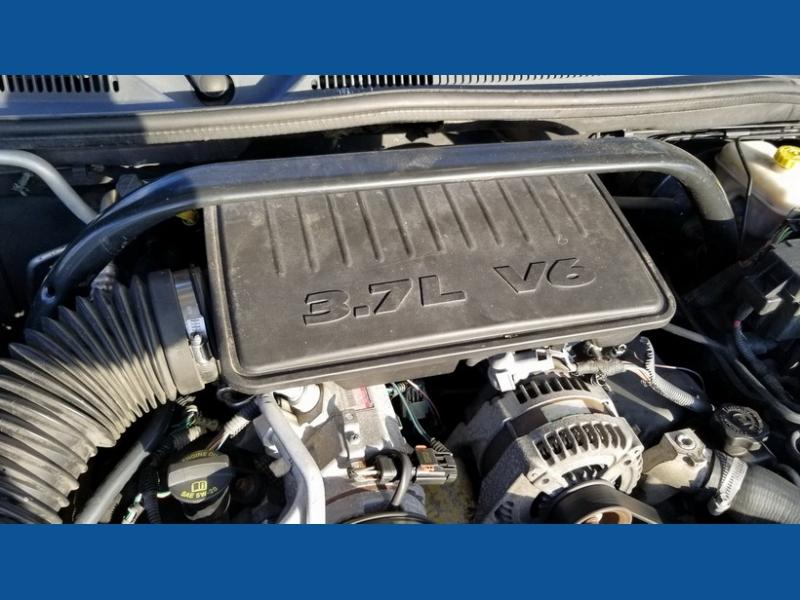 Jeep Commander 2007 price $7,500