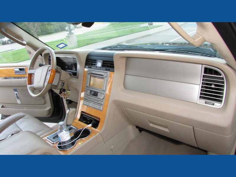 Lincoln Navigator L 2007 price $9,800