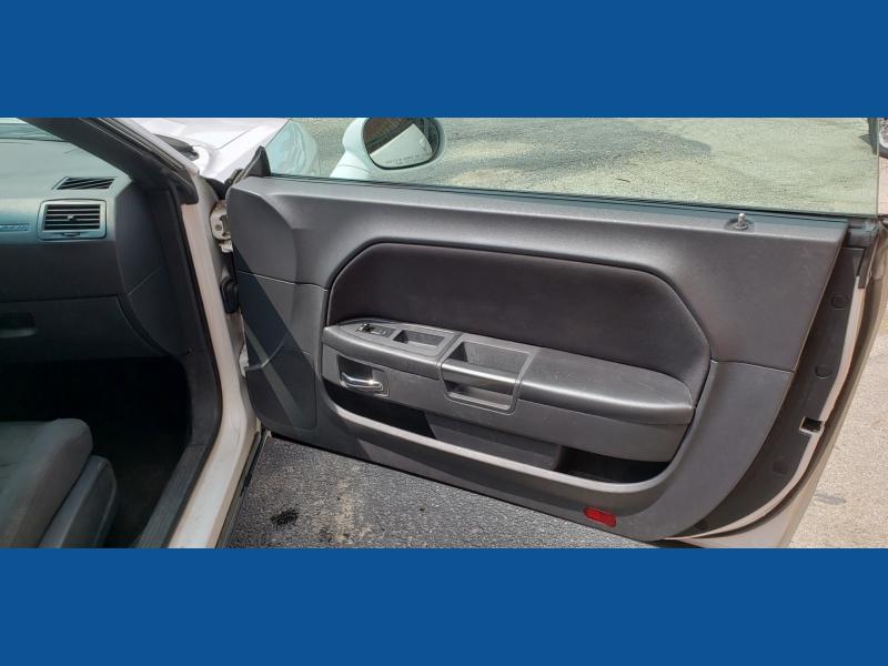 Dodge Challenger 2014 price $13,900 Cash