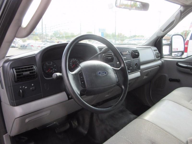 Ford Super Duty F-350 DRW 2005 price $15,995