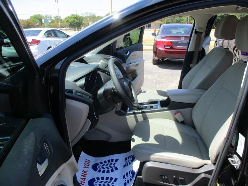 Ford Escape 2017 price $15,995