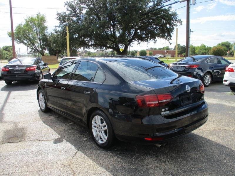 Volkswagen Jetta 2018 price $14,995
