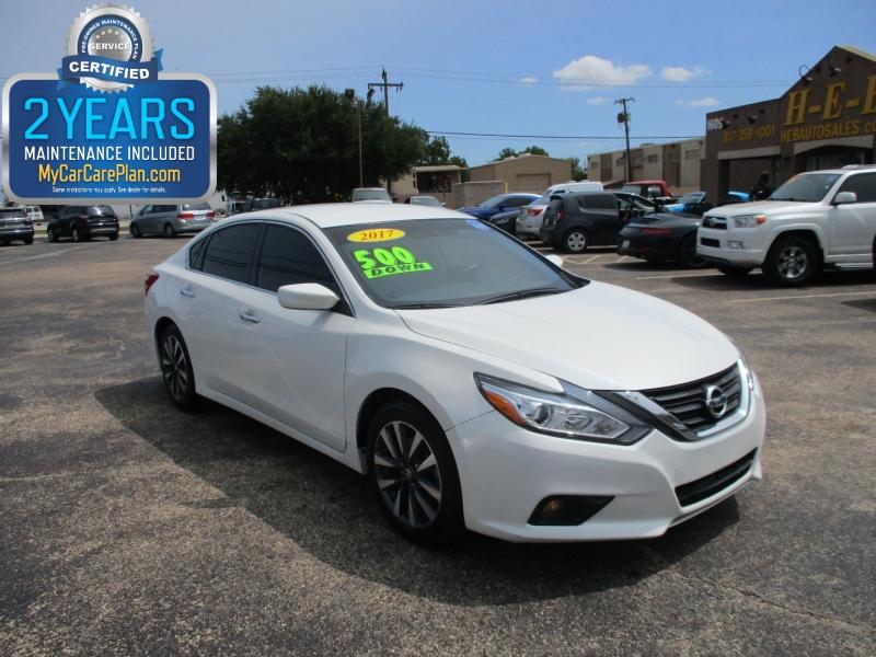 Nissan Altima 2017 price $12,995