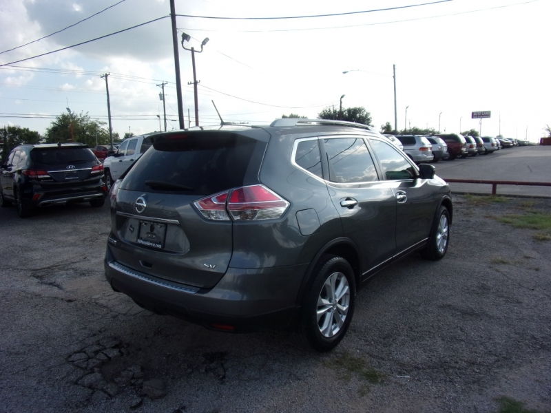 Nissan Rogue 2016 price $10,900