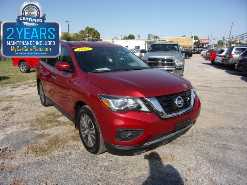 Nissan Pathfinder 2017 price $14,995