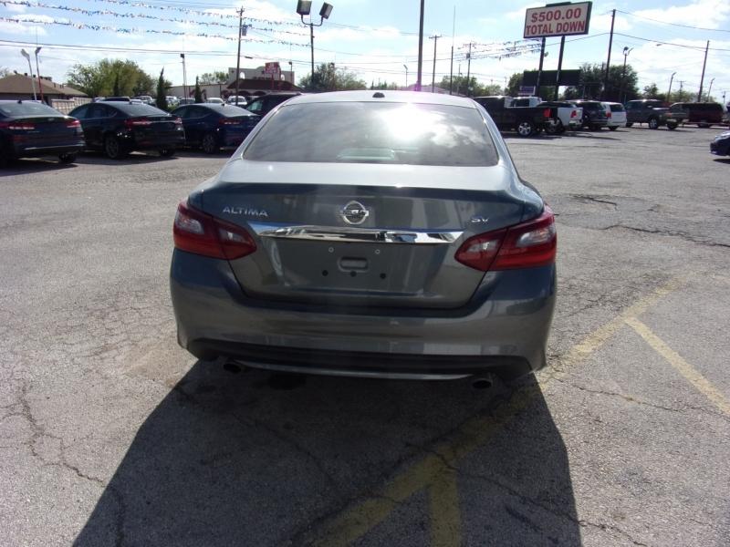 Nissan Altima 2018 price $14,995