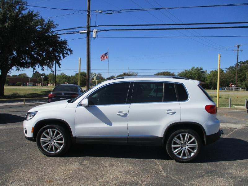 Volkswagen Tiguan 2016 price $13,995