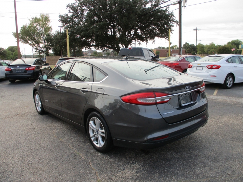 Ford Fusion Hybrid 2018 price $13,995