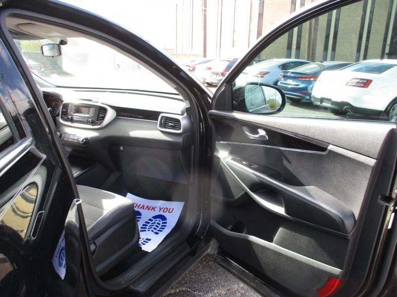 Kia Sorento 2016 price $5,900